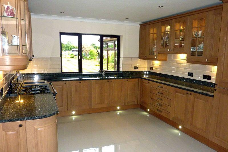 Cream Floor Tiles Black Granite Worktop