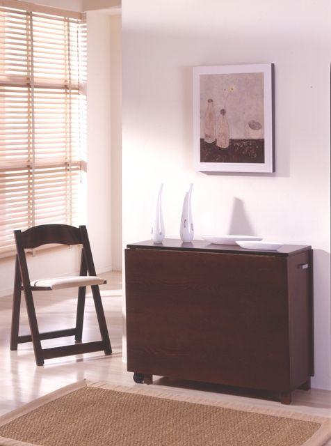 mesas plegables con sillas dentro interior