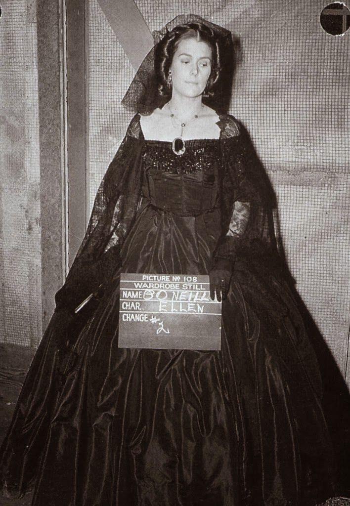 Scarlett o 39 hara wedding dress barbara o 39 neil as ellen o for Who played scarlett o hara in gone with the wind