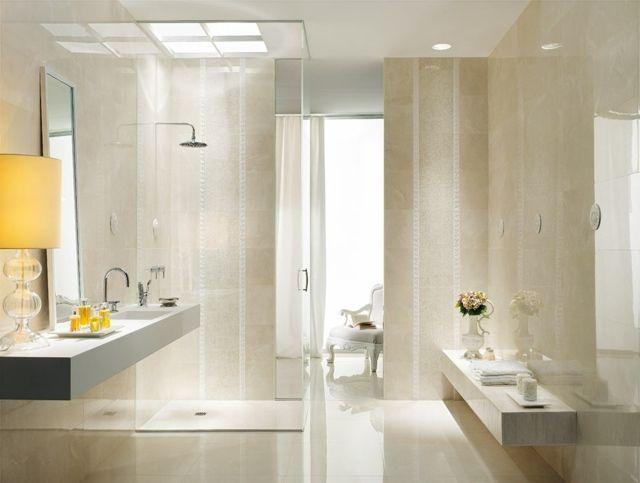 Helles Bad mit Naturstein Farbe Fliesen Duschkabine Bathroom - natursteine bad