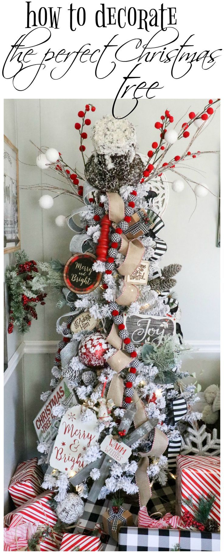 How to decorate the PERFECT Christmas tree- learn how to decorate a beautiful Christmas tree full of your favorite things  An easy video tutorial on the blog, showing how to decorate a Christmas from start to finish  christmas tree tutorial  decorate christmas tree  how to decorate christmas tree #christmastree #Christmasdecorating #Christmasdecor