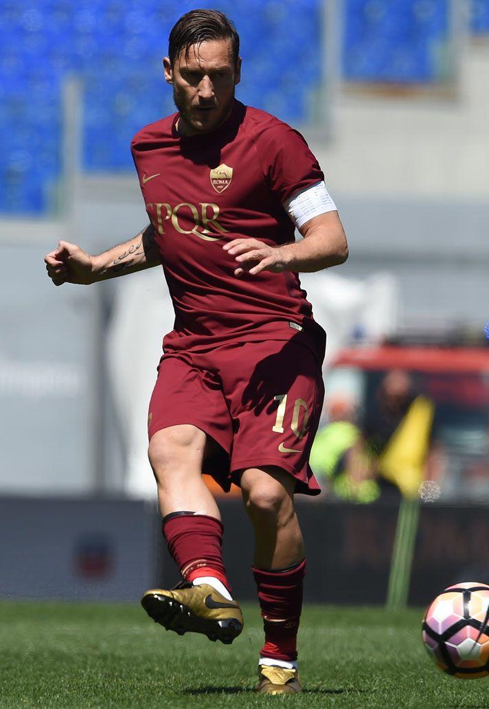 Corroer chorro cebolla  Global Boot Spotting - SoccerBible | Best football players, As roma, Totti  roma