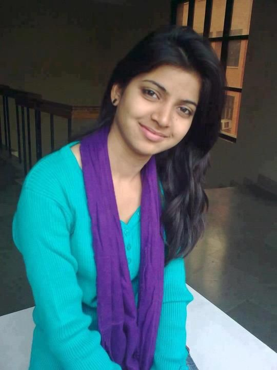 Cute Pakistani Girl With A Very Innocent Face  Kuch Desi -7619
