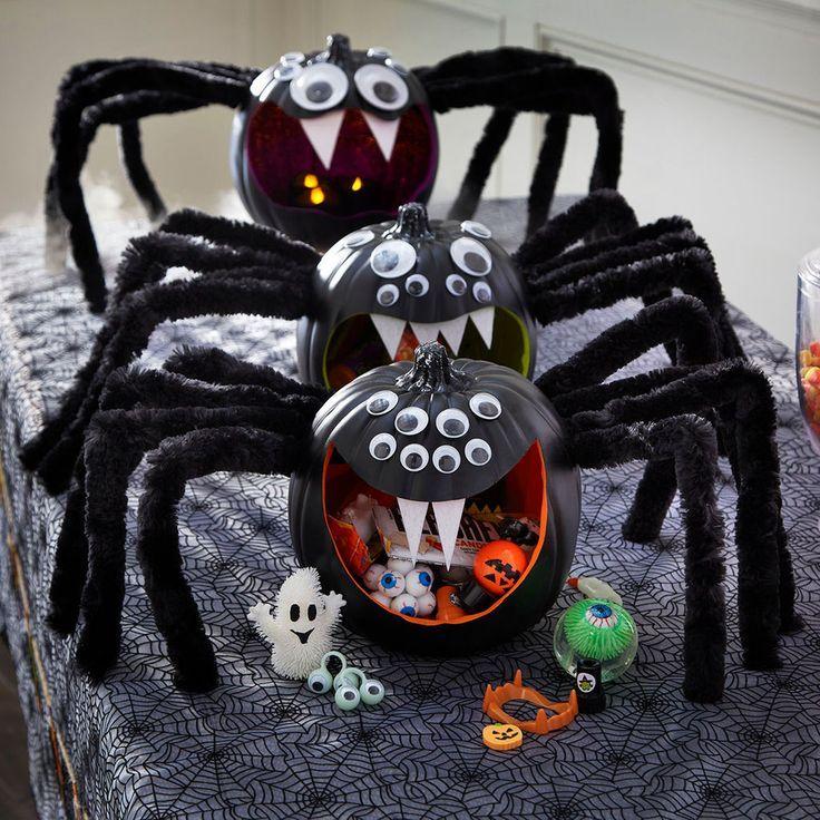 DIY Jumbo Spider Halloween Table Décor DIY ○ Halloween Crafts - spiders for halloween decorations