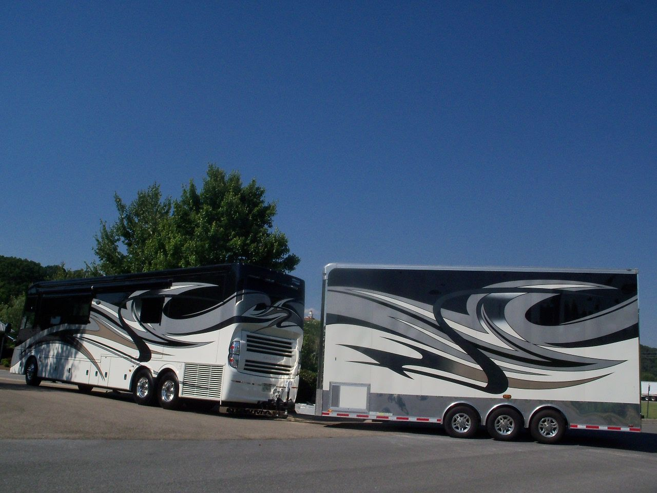 Denning double decker for sale - Newmar King Aire With Matching Double Decker Trailer