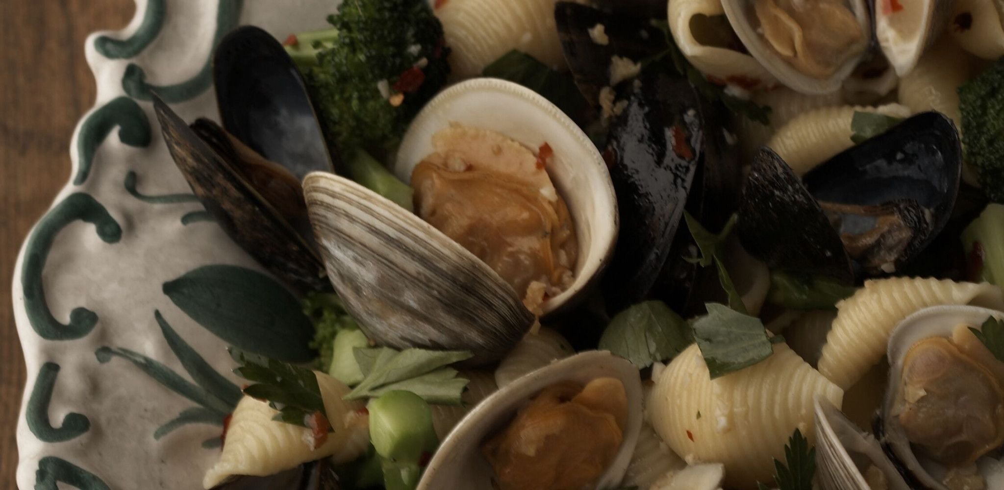 Conchiglie Aux Palourdes Et Moules In 2020 Mussels Clams Giada De Laurentiis Recipes