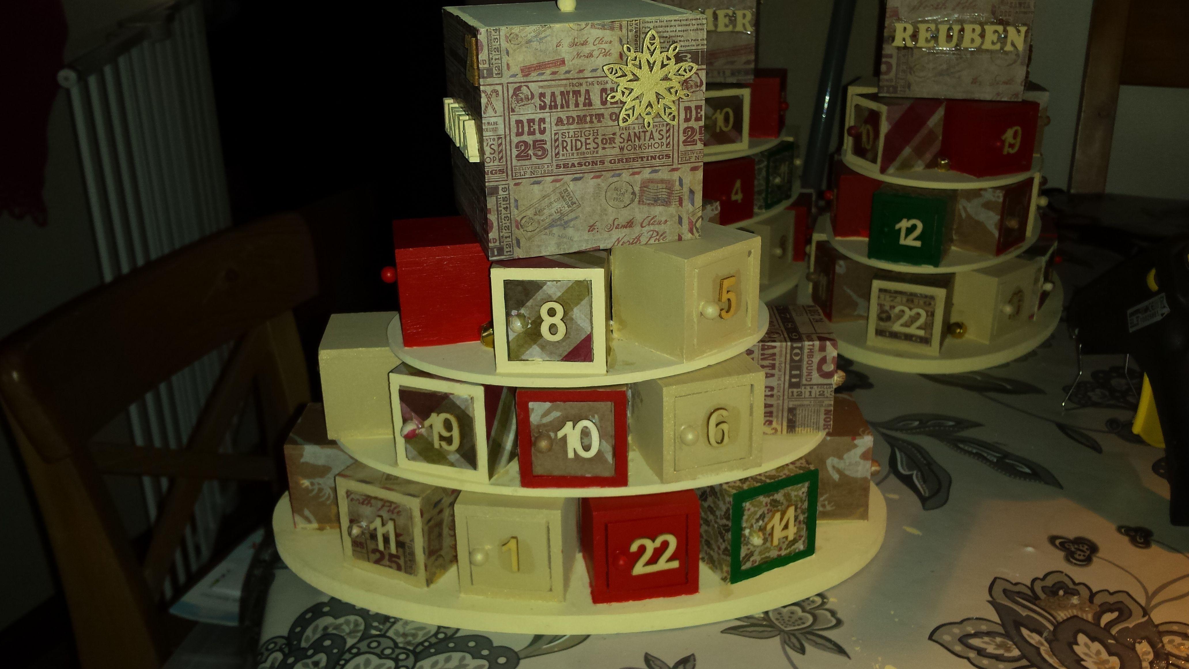 advent calendar, Christmas, gold cream red green, decoupage