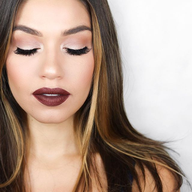 Brand New Video loves! ❤️ I was inspired by this gorgeous lip color to create a Fall Makeup look {Video link in bio}