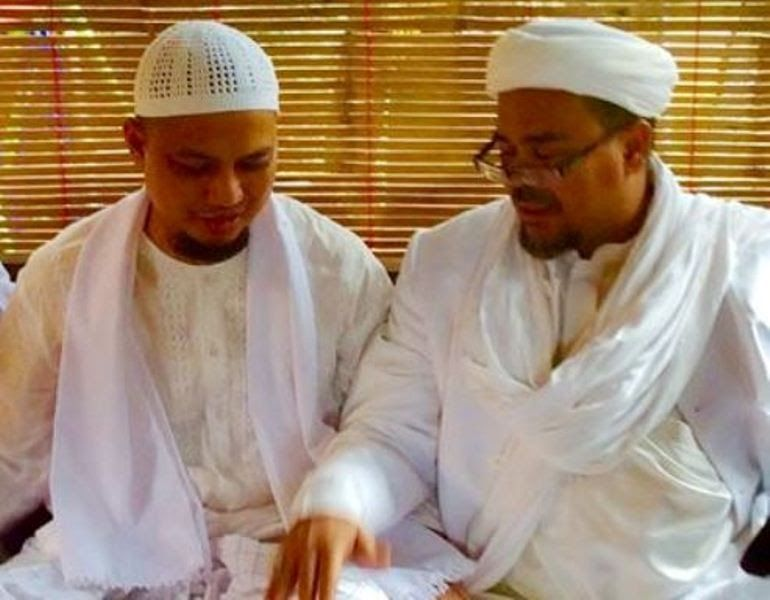 Soal Kriminalisasi Habib Rizieq Syihab, Ini Doa dan Seruan Tegas KH M Arifin Ilham