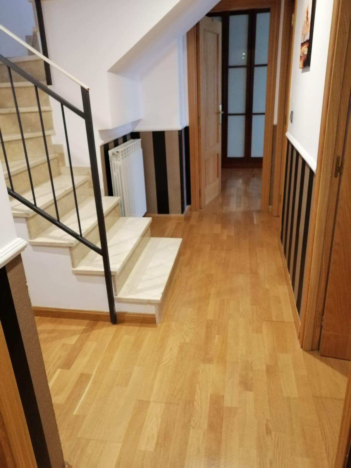 cerramiento de escalera duplex en 2020 Escaleras