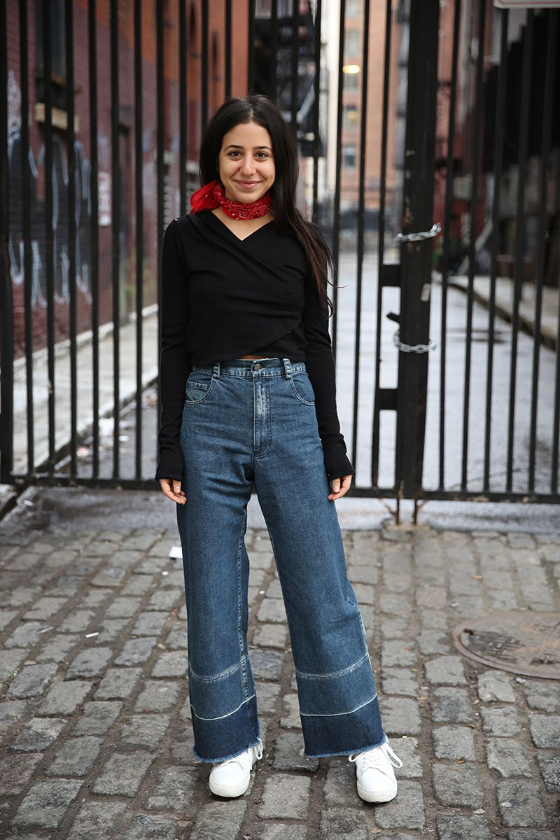 01da5e706b2a How to Wear the Cropped Flare When You re Short