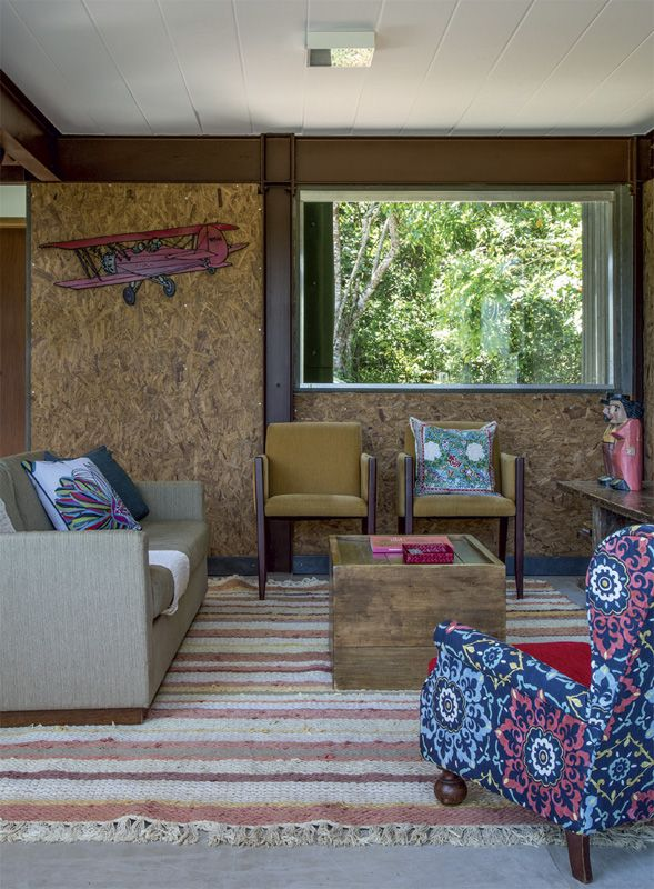 Casa sustentável: com painéis de OSB e fachada de madeira plástica - Casa