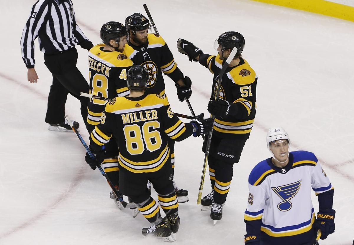 Bruins Take The Fight To Blues Boston Bruins Hockey Bruins Boston Bruins
