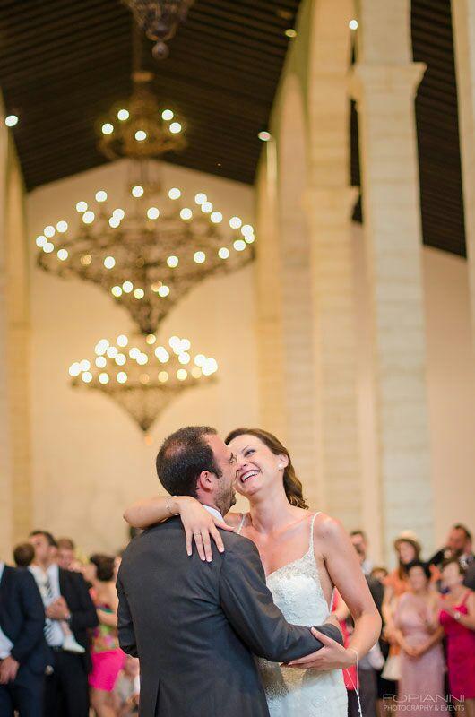 Hace un año, sobre esta hora, inaugurábamos temporada 2015, en una de las #bodasLOVE más mágicas que recuerdo, la de mis queridísimos R+F.   LOVE #love #amor #happy #feliz #aniversario #wedding #weddingplanner #weddingplannerCádiz #Cádiz #inlove #smile #risas #boda #bodasunicas #bodasbonitas #candybar #chocolate #dance #handmade #hechoamano #deco #beach #playa #Málaga #bodega