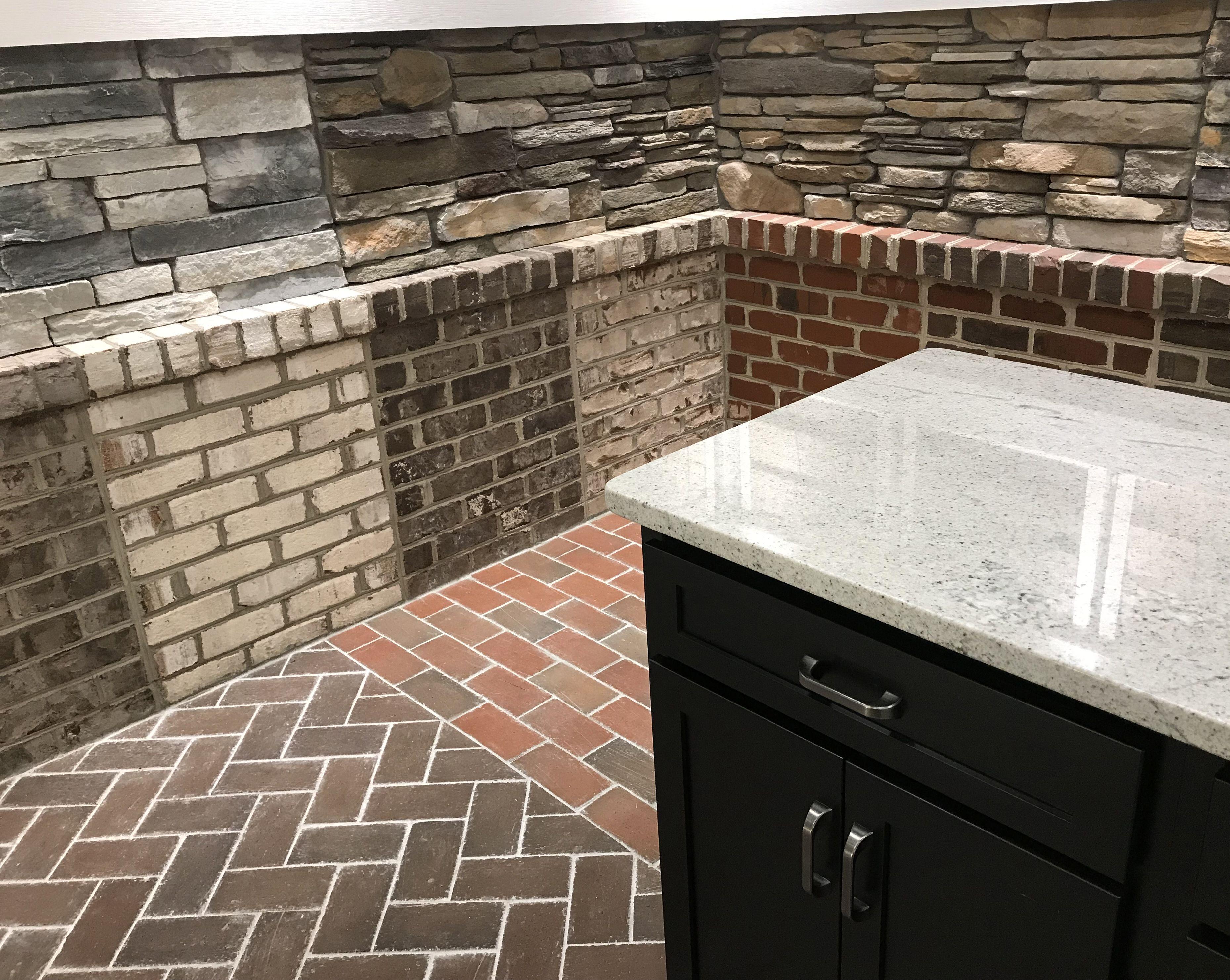 Isenhour Custom Homes Brick Showroom Makes Selection Fun Custom Homes Brick Detail Brick