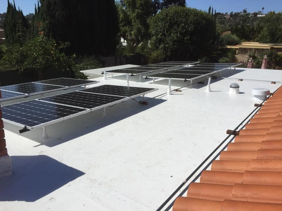 Life Time Warranty Flat Roof With Solar Panels Installed Beautiful Solarpanelinstallation Solar Panels Best Solar Panels Photovoltaic Panels