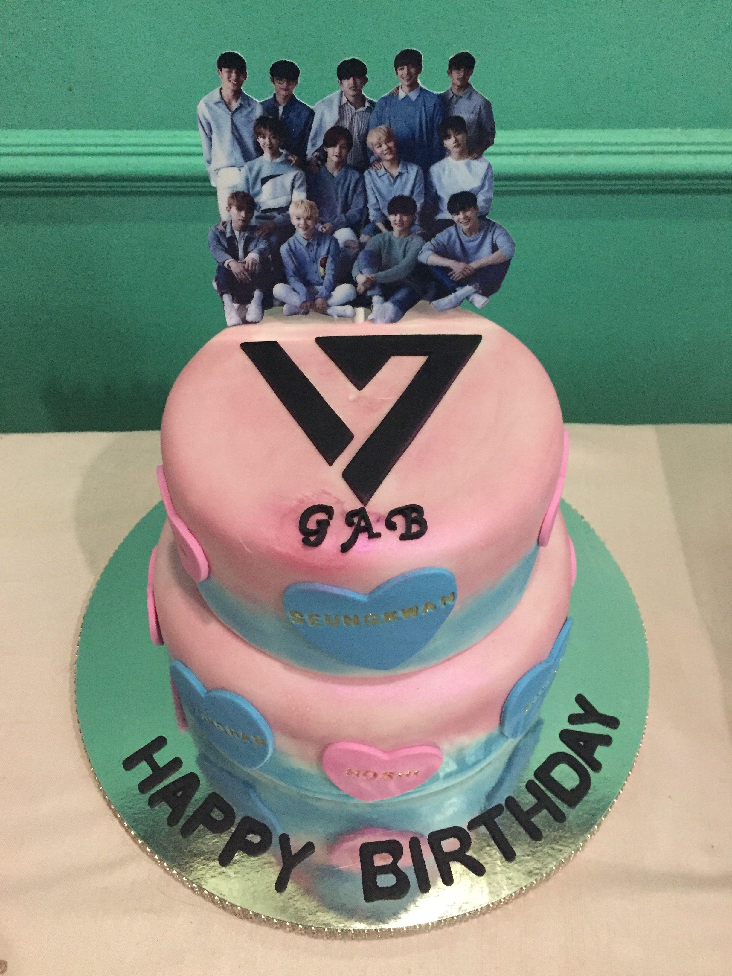 seventeen kpop cake design Seventeen cake  Kue ulang tahun, Kue, Makanan