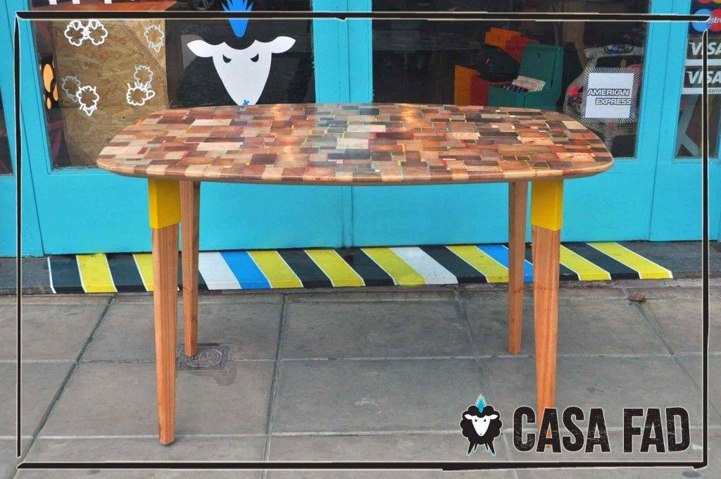 """Hecha con """"retazos""""  de maderas de descarte.    Te la hacemos a la medida que nesecites. Consultanos a info@casafad.com"""