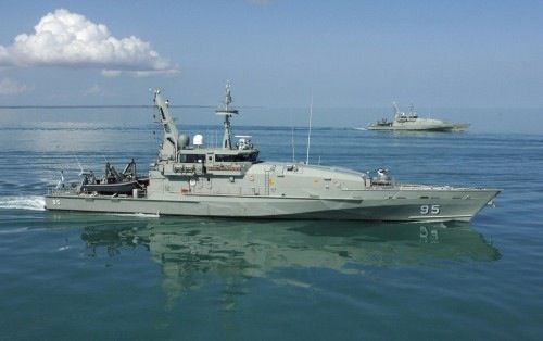 Armidale Class Patrol Boats HMA Ships MARYBOROUGH and ALBANY sail in company from Darwin Harbour. (Date taken: 18 November 2008)