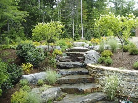 Natural stone steps stone steps pinterest walkways for Amenagement paysager avec roche decorative