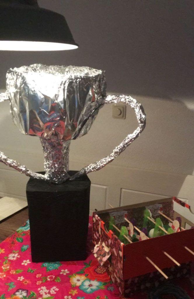 Beker en tafelvoetbalspel Sinterklaas surprise