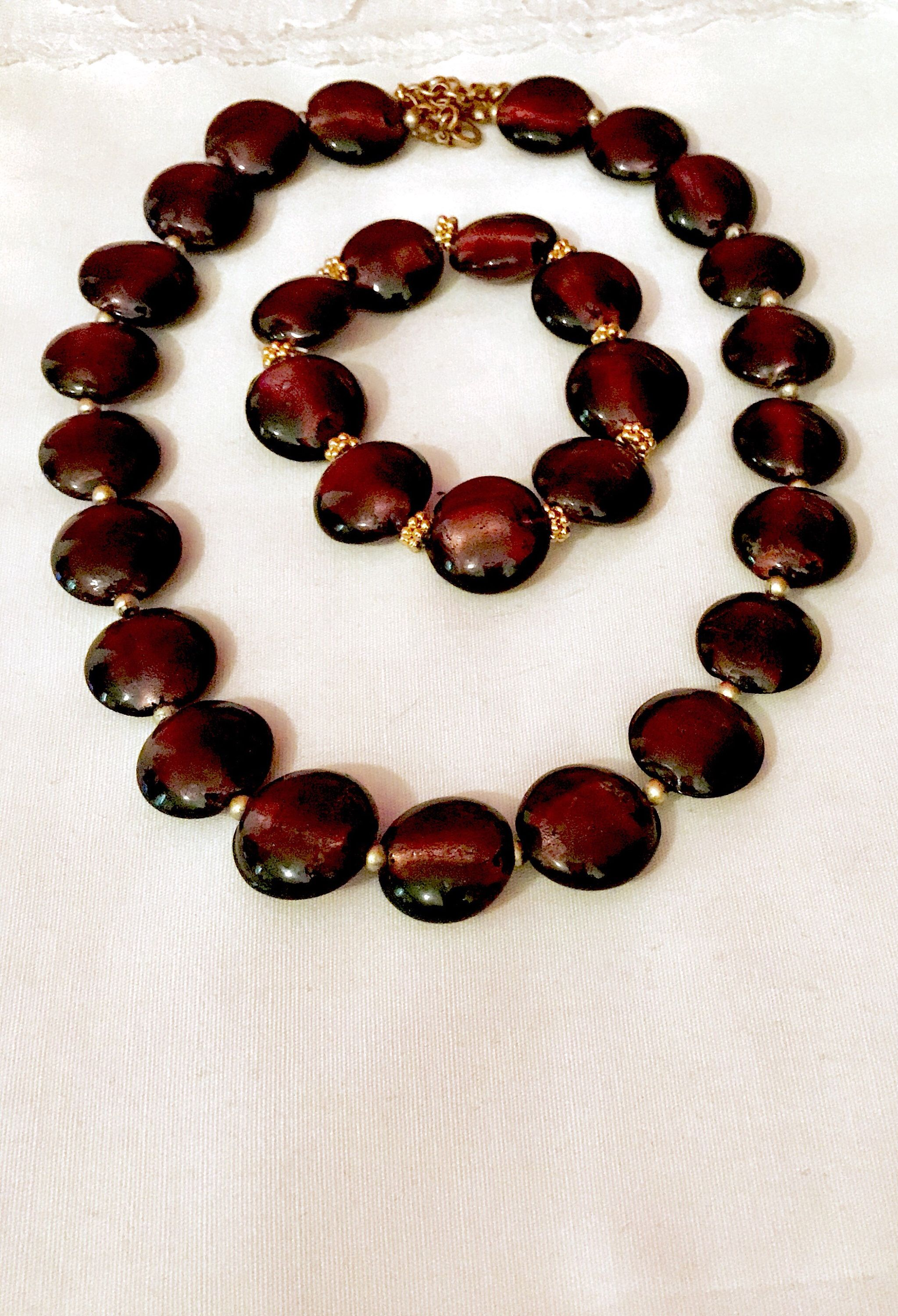 The wave of mid century in all its charms See Purple lovers unite in enjoying this beautiful vintage carbochon with see through stones