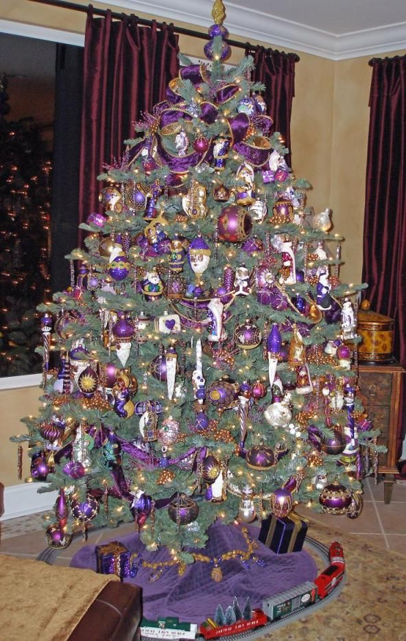 purple christmas tree ornaments seasonal christmas trees pinterest purple christmas tree. Black Bedroom Furniture Sets. Home Design Ideas
