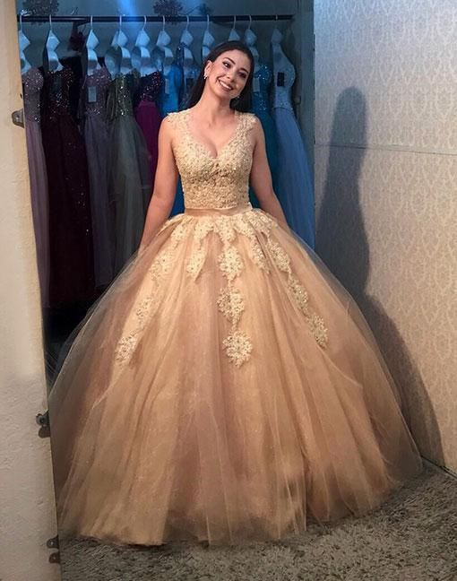 Charming A Line V Neck Beads Tulle Prom Dresses with