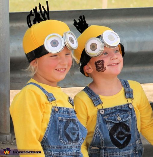 DIY Minions costumes - creative!  sc 1 st  Pinterest & Minions - Halloween Costume Contest at Costume-Works.com | Pinterest ...