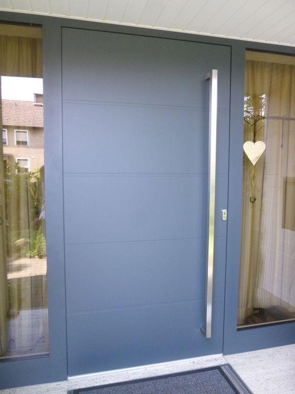 Aluminium Haustür Anlage Mit Feststehenden Seitenteilen In Recklinghausen