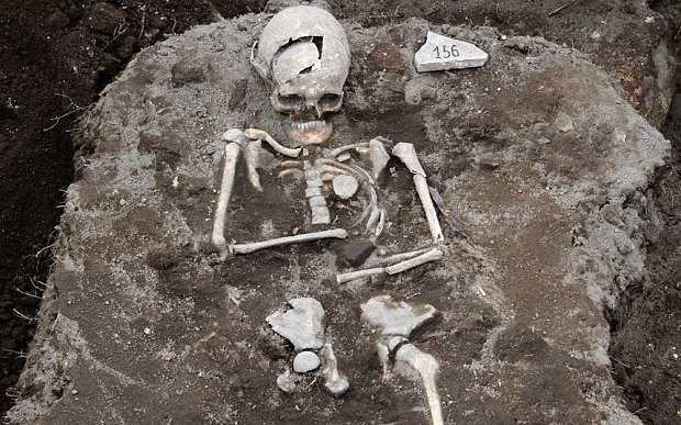 'Vampire grave' found in Bulgaria