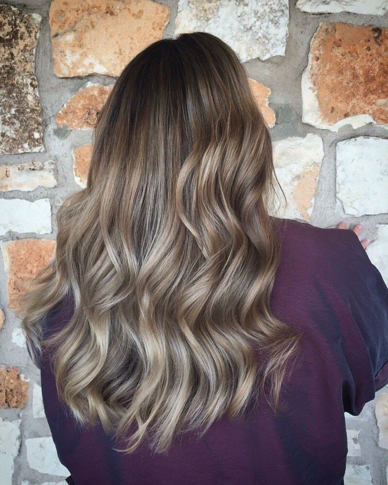 Photo Of Dolce Austin Tx United States Free Haircut When You Get Any Color Service With Elizabeth Aka Hairslingermedi Balayage Hair Free Haircut Balayage