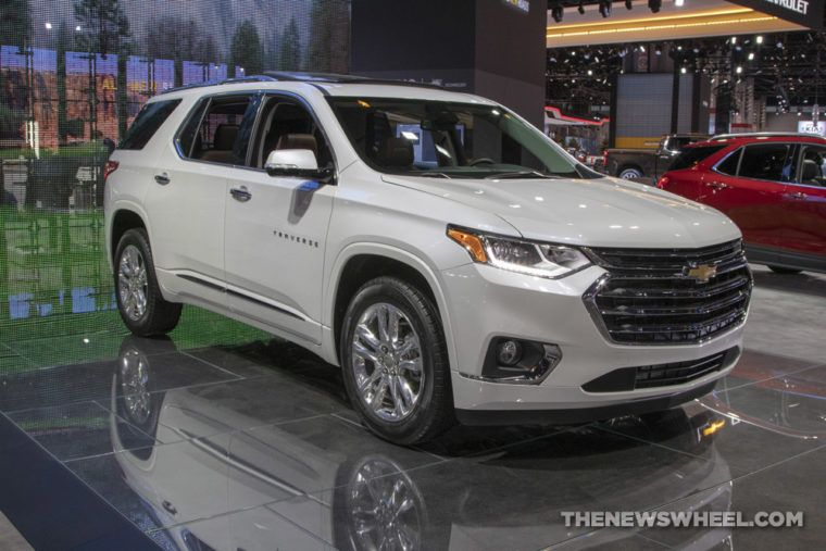 2020 Chevy Traverse Offers Stylish Blackout Package The News Wheel Chevy Suv Chevy Suv