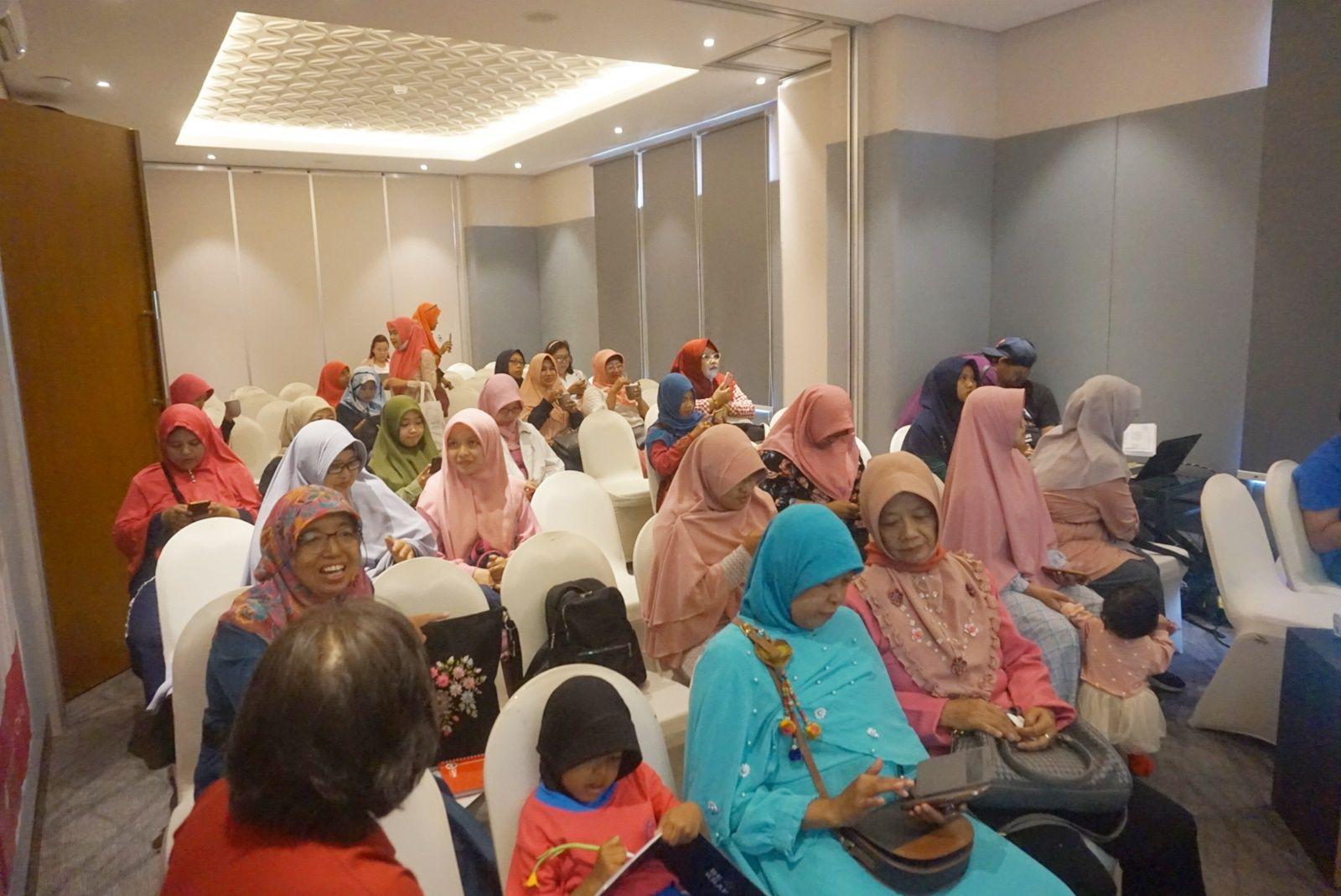 kumpulan wanita pebisnis surabaya