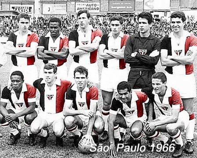 3ª Camisa em 1966 -- Confira um São Paulo diferente, com uma camisa criada pelo jornalista Paulo Planet Buarqu… | Futebol brasileiro, Camisa do são paulo, Futebol