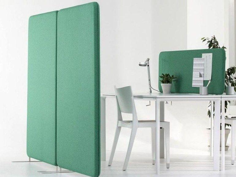 panneau de s paration pour bureaux insonorisant sur pied. Black Bedroom Furniture Sets. Home Design Ideas
