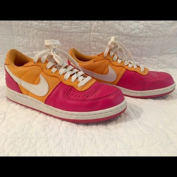 Nike Sneakers Cute and fun colors!  Gently worn. Size Women's 8.5. No trades please! Nike Shoes Athletic Shoes