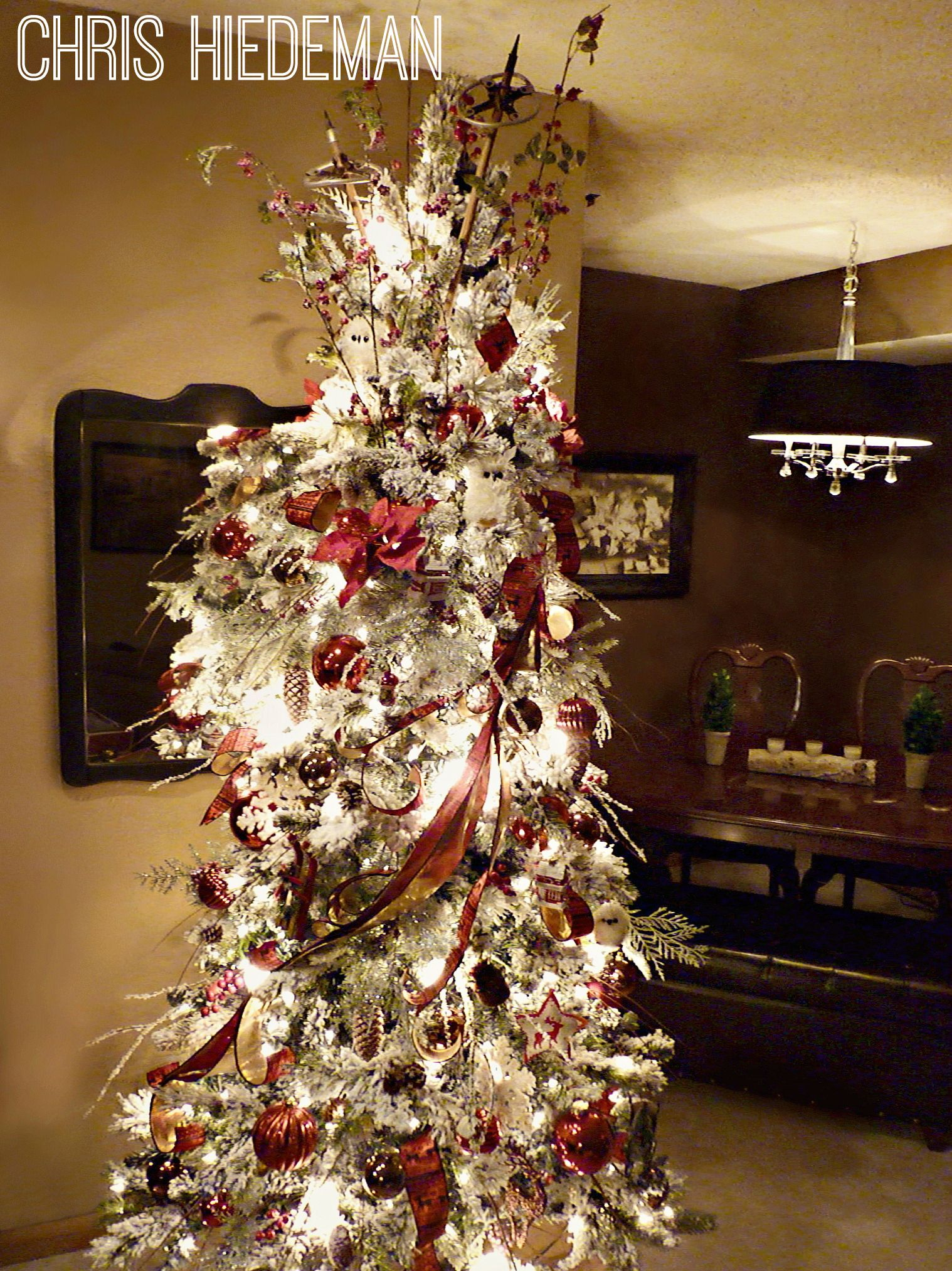 Color schemes for christmas trees - Red And White Color Scheme On Flocked Christmas Tree