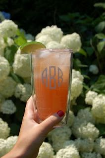 Georgica Grapefruit Fizz: 2 oz vodka, 1 oz Alize Wild Passion, Juice of 1/2 grapefruit (~3/4c), sparkling lemondade (like San Pellegrino Limonata) -  Pour ingredients over ice, top with sparkling lemonade. Garnish with lime. Amy will make it for me. #sparklinglemonade