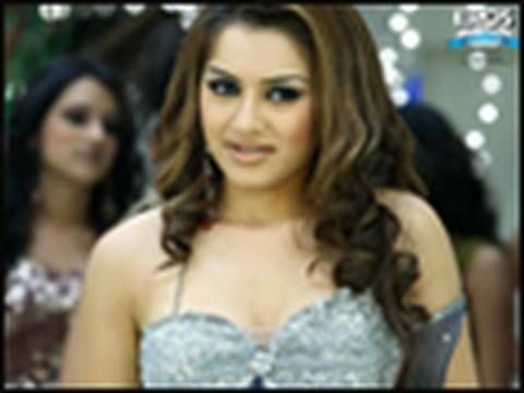 nice Hansika Motwani in 'Money Hai Toh Honey Hai'