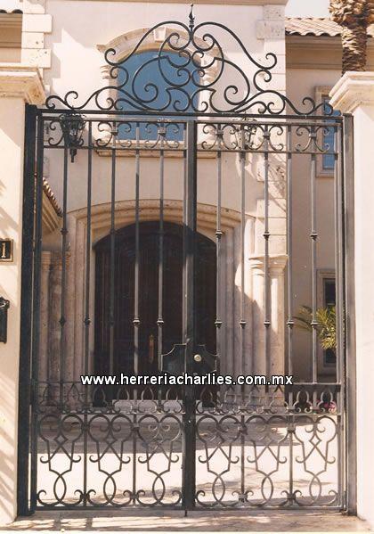 Cercos rejas protecciones de herreria para ventanas - Puertas metalicas jardin ...