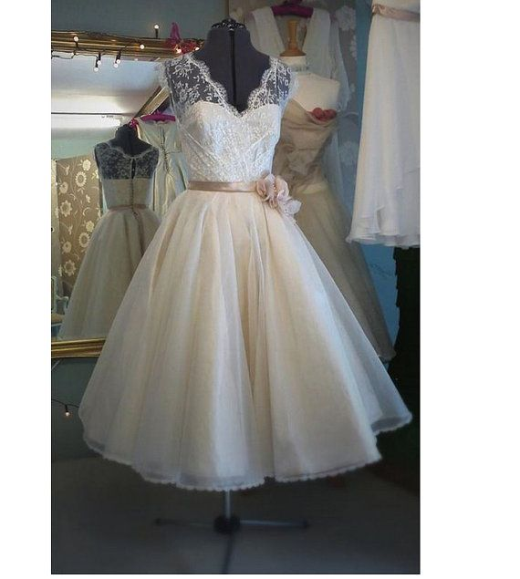 Vintage tea length wedding dress bridal gown v neck white for Ivory lace tea length wedding dress
