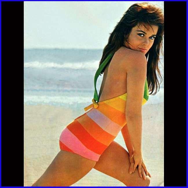 Hot babe milfsters bikinis