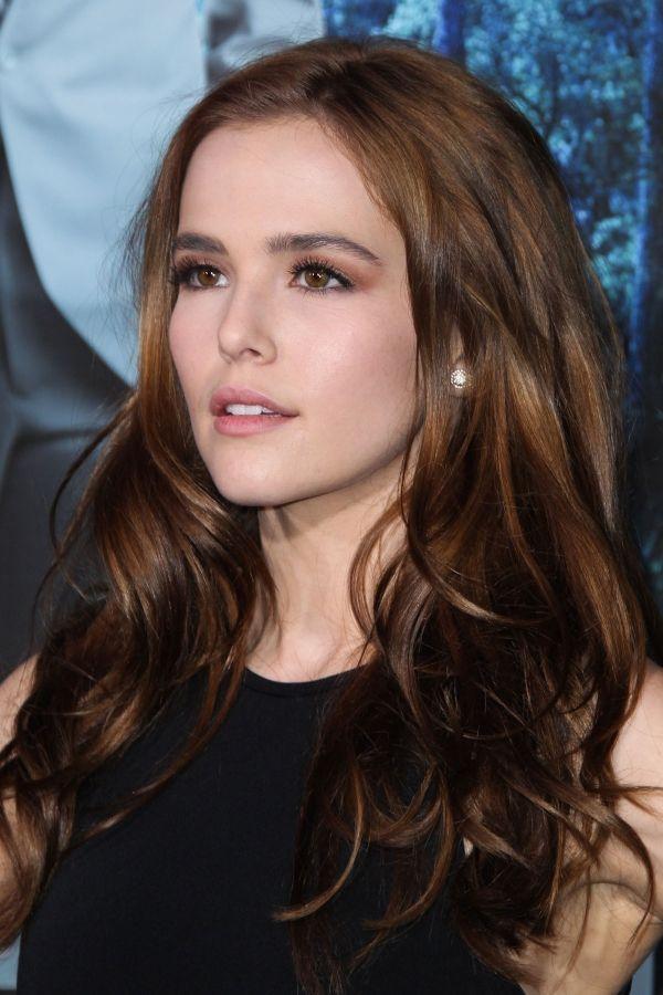 Zoey Deutch So Pretty Id Rather Be Like Rose Hathaway Than Bella