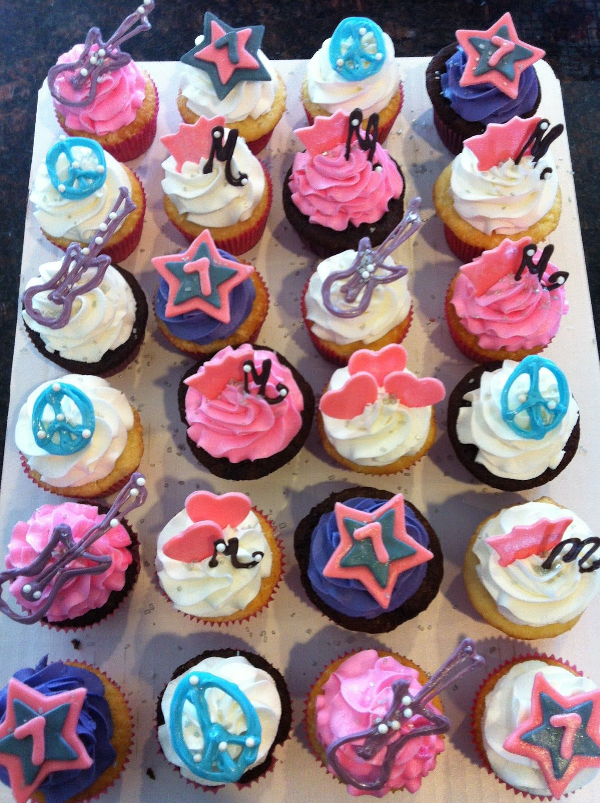 rockstar birthday cakes Rockstar Birthday Cakes And Cupcakes