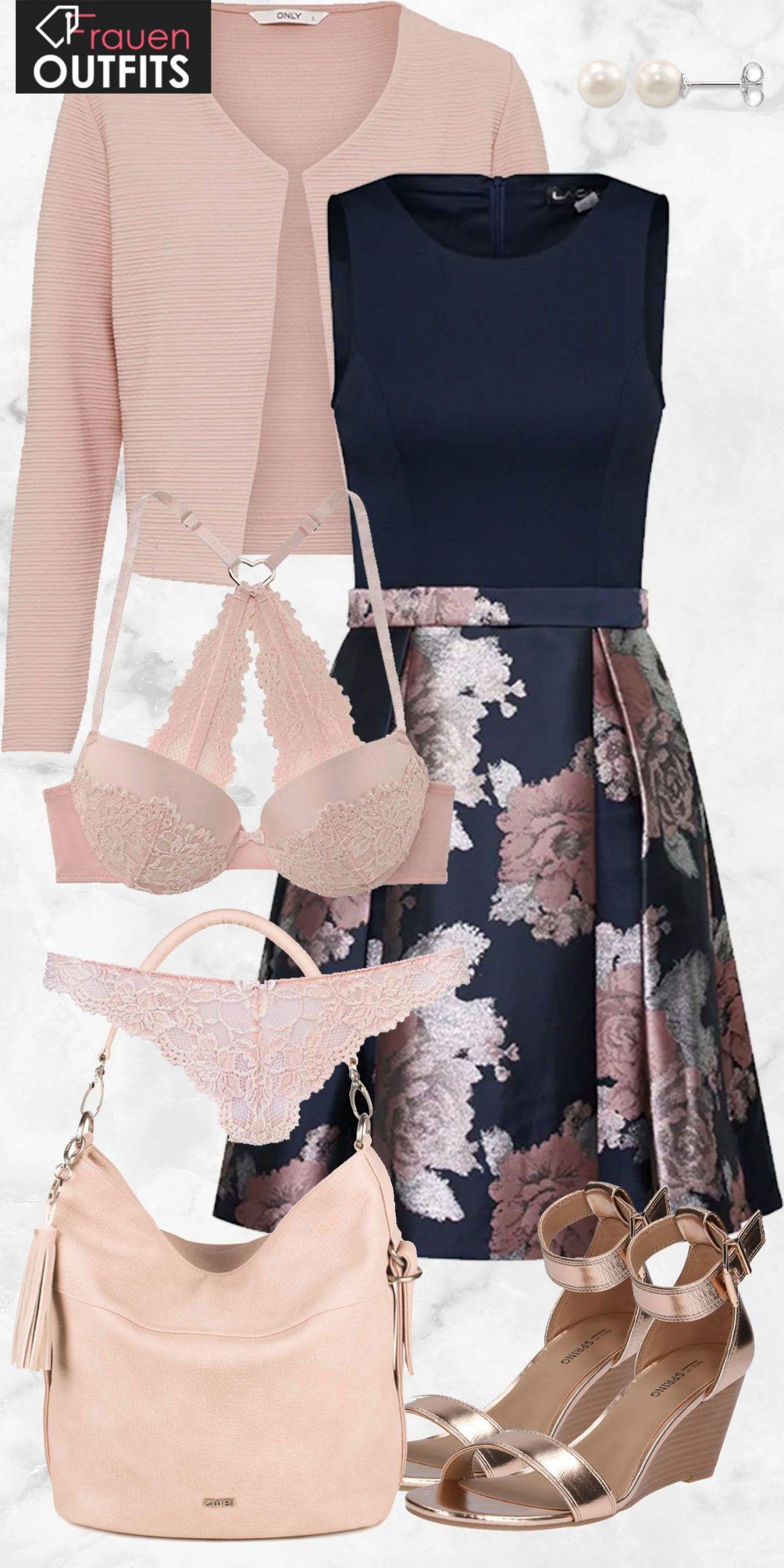 Toller Abendlook aus einem schönen Kleid mit Muster, einem rosa