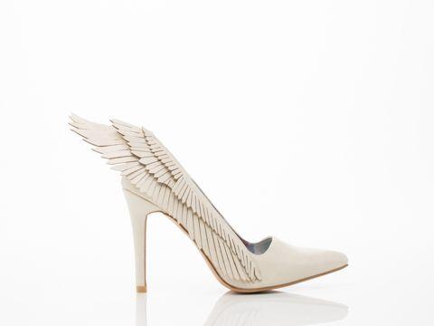WTF weird wedding shoes | Offbeat Bride
