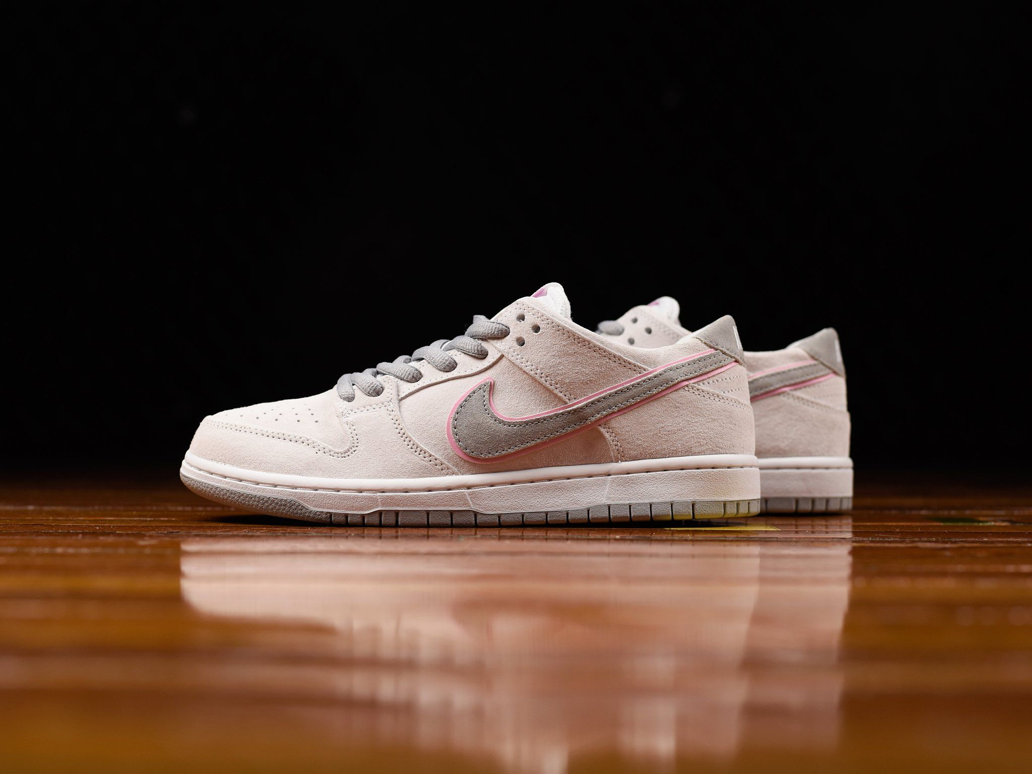 A Closer Look At The Nike SB Dunk Low Ishod Wair In White  1b9b9b4070