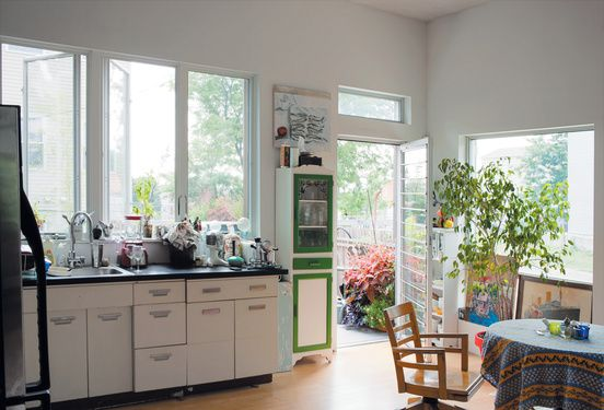 The salvaged 1950s-era kitchen cabinets by Republic Steel ...