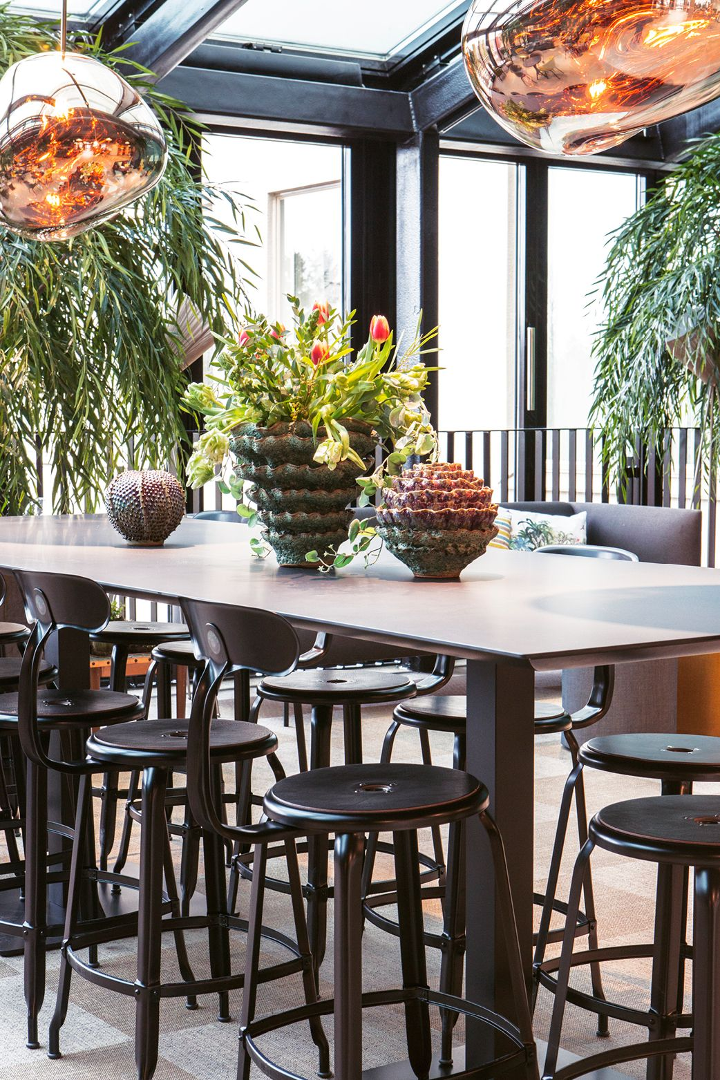 Table And Chairs Under Beautiful Lamps Quality Hotel Winn Haninge